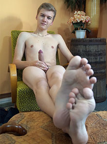 Logan Lech masturbating on his male feet