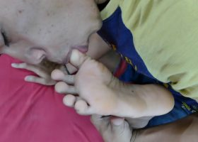 Marcon and Rizal Get Horny For Feet